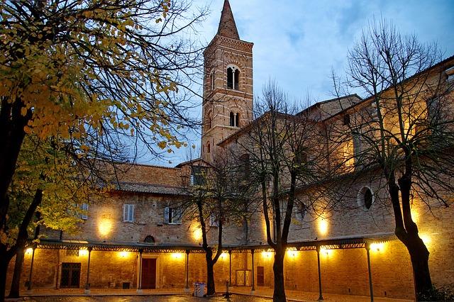 gotická budova